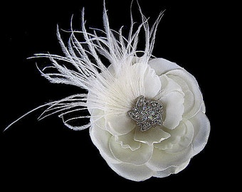 Amber - Bridal Antique White Flower Hair Clip Fascinator with Rhinestones Ostrich Feathers
