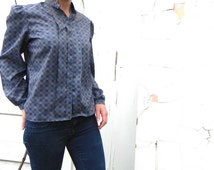 vintage grey puffy sleeve blouse. medium-large