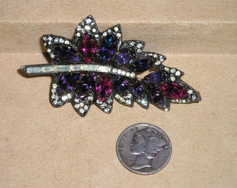 Vintage Weiss Rhinestone Brooch Purple With Baguettes Early 1940's Signed Jewelry C10