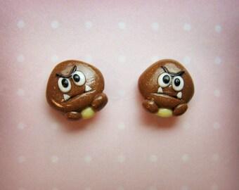 Tiny Goomba stud earrings - Super Mario - Handmade
