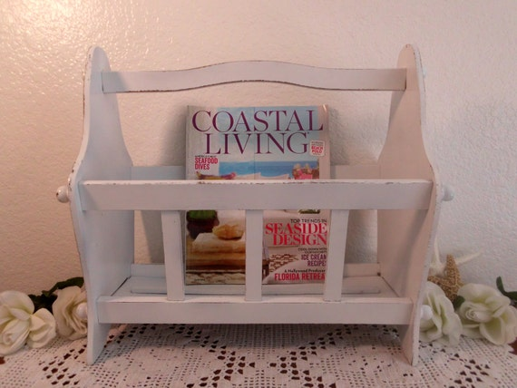 white magazine rack rustic shabby chic distressed beach. Black Bedroom Furniture Sets. Home Design Ideas