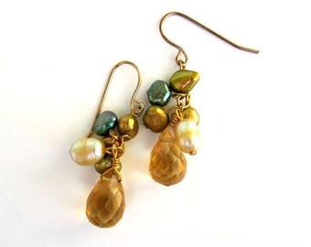 Vintage Gold Dangle Pearl Earrings