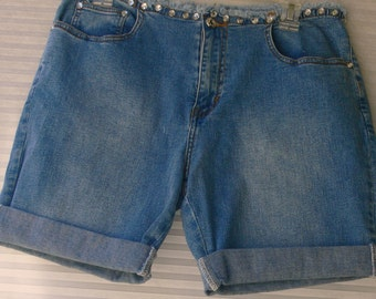 blue jean shorts size 8 with rhinestones 5 pocket jeans