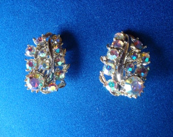 Gorgeous rhinestone earrings clip on AB