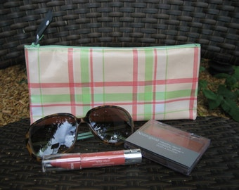 Zippered Oil Cloth Pouch-Retro Pink and Mint Green Plaid Cosmetic Bag--Purse Organizer--Pencil pouch