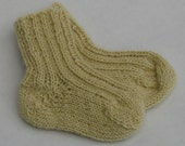 CLEARANCE 50% off - Baby socks 1-3 months - hand knitted - soft alpaca wool pale yellow cream