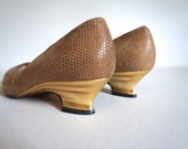 Beautiful Vintage Bruno Magli Italian Leather Shoes Gold Heels US Women's Size 8 - Made in Italy