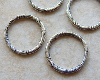 29mm Antique Silver Textured Links, Closed Ring Findings, 4 PC (INDOC279)