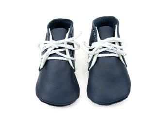 Soft soled leather baby shoes. Handmade navy blue booties, crib shoes, prewalkers