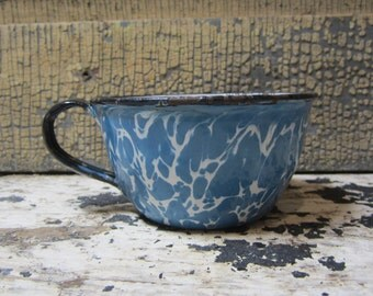 Antique Enamelware Cup Vintage Cup White and Blue Swirl Graniteware Tea Cup Enamelware Swirl Spatterware Swirlware Granite Ware Enameled