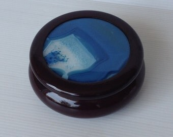 round wooden trinket box inlayed with a blue agate slice, dish with lid, wooden box