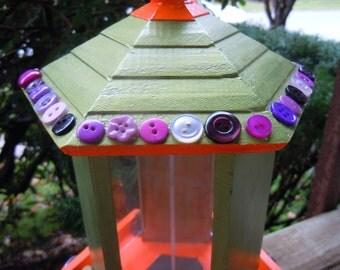 Bright bird feeder