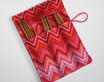 Set of 12 Bamboo Crochet Hooks and Pink Chevrons Fabric Crochet Hook Organizer, Crochet Hook Holder