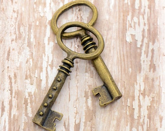 2 - Large Skeleton Key Charms, Antique Bronze, Large Jailer Key, Vintage Jewelry Supplies Heavy Thick (BD165)
