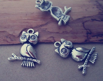 20pcs Antique silver Owl Pendant charm 18mmx24mm