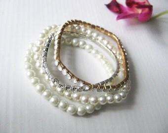 Romantic pearl bracelet  Shabby chic style White rhinestones Round pearls