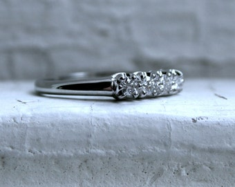 Vintage 18K White Gold Diamond Wedding Band - 0.28ct.