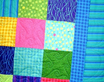 Bright Candy Baby Crib Blanket Lap Comforter Quilt with Free Pair of Baby Socks