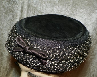 Hat Ladies 1940's Black Linen Look with White Swiss Dot Netting by Minette - Just Wonderful!