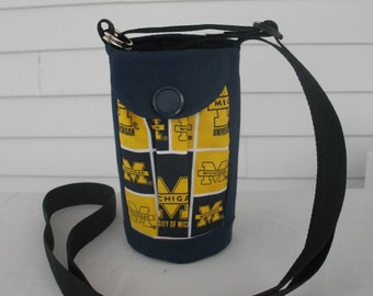 University of Michigan// Michigan Wolverines//Water Bottle Holder Sling//Walkers Insulated Water Bottle Cross Body/Hikers Bag