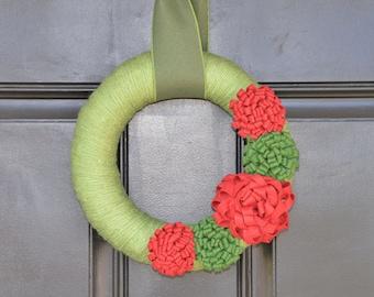 Handmade Christmas Wreath, Holiday Decor, Christmas Yarn Wreath, Christmas Decor, Holiday Wreath, Winter Wreath with Felt Flowers
