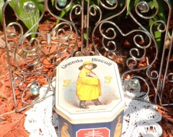 Authentic Vintage Uneeda Biscuit Tin by Nabisco Bristol Ware
