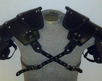 Leather Armor Sentinel segmented shoulders