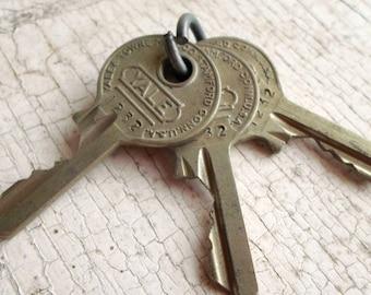 Vintage Keys, 3 Vintage Keys, Old Keys, Supplies, Thick Keys, Small Keys, Key Metal, Jewelry, Shadow Boxes, Props, All Vintage Man