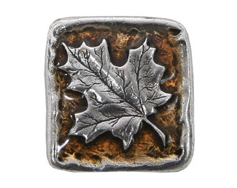 Danforth Autumn Maple Leaf 13/16 inch (21 mm) Pewter Button