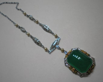 Vintage 10 kt White Gold Cabochon Chrysoprase Pearl Filigree Necklace 15 Inch