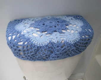 Crochet toilet tank lid cover - light periwinkle/light blue (TTL9G)