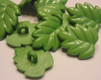 5 green leaf buttons, 15 x 20 mm (B3)