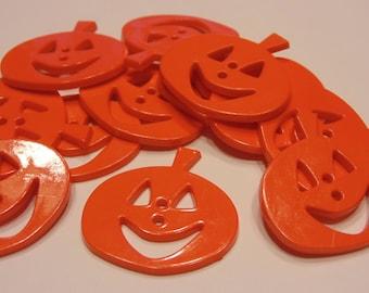 4 large pumpkin buttons, 32 x 33 mm (16)