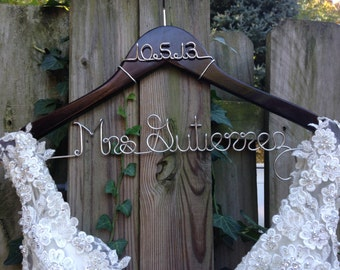 Wedding Dress Hanger with Date, Bride Hanger, Name Hanger, Bridal Gown Hanger, Personalized Bride Gift, Bridal Shower, Engagement, Wedding