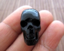 SALE Hand carve flat back  skull in horn, 3-D Skull , horn beads ,Jewelry making supplies B4147