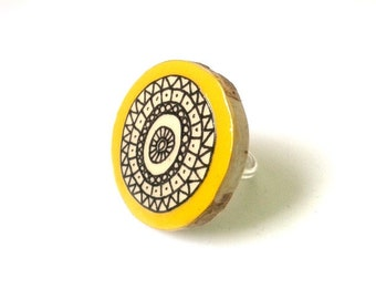 Mustard Yellow Illustrated Geometric Wooden Ring