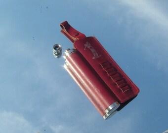 Vintage golf cylinder hip flask with tees