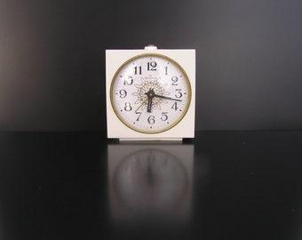 Alarm clock Soviet vintage alarm clock Jantar alarm clock Russian mechanical alarm clock Wind up clock Vintage wind up clock