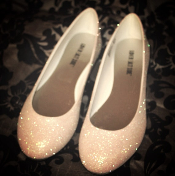Flat wedding shoes can have brides feeling just as stylish and amazing as they would in a pair of heels and our edit of flat bridal shoes Glitter Wedding Ideas. Dune London – Charing. Vintage brides will love the Sweetie shoe by Pink Paradox Shoes – this ivory lace shoe has a pretty satin heel and toe cap and is completed with a.