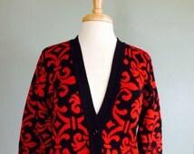 Red/Black Damask Print Cardigan // Cabin Creek // Vintage Wmns Sz Small // Vintage Sweater