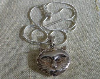 Vintage Sterling Silver Necklace with Cat Locket - 20 inch in length