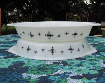 Two Pyrex Black Compass Divided Casseroles Snack Servers