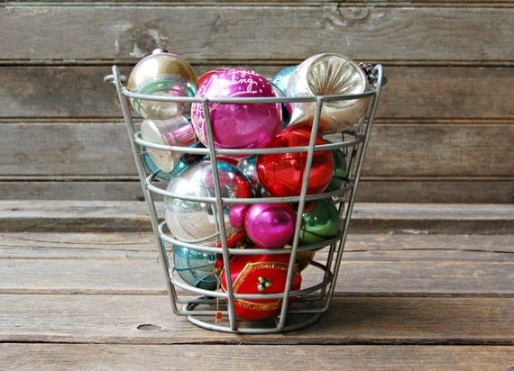 Instant collection of vintage christmas ornaments for Collecting vintage christmas ornaments