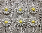 White Royal Icing Daisies (15) Cake Decorations