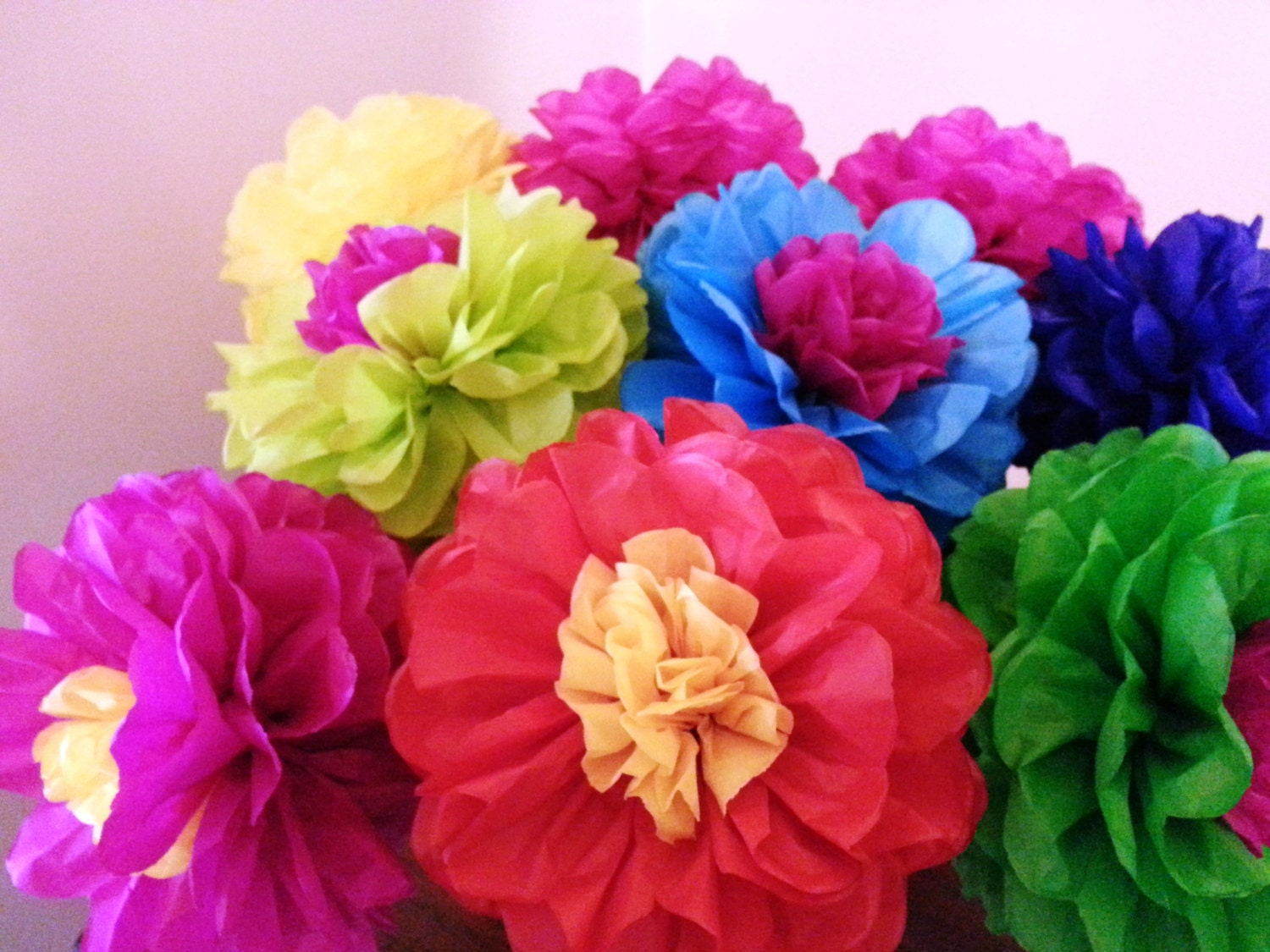 Tissue paper fiesta flowers set of 8 tissue paper flower for Flower decoration made of paper