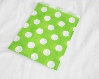 25 Green and White Polka Dot Candy Bags for Party Favors or Small Gifts 5 x 7