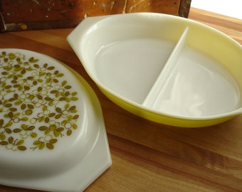 Vintage Pyrex Verde Pattern Oval Split Dish with Cover 1960s 1970s Green Olives