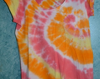 Upcycled Juniors' SIZE L Sunrise Spiral T-Shirt in Yellow, Orange, Red & White