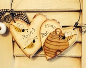 Primitive Honey Bee Mine Wooden Hearts Cupboard Hanger