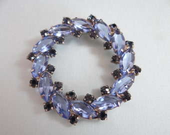 Beautiful Blue Round Rhinestone Brooch on a Silver Tone Setting - Lovely Vintage Brooch - Lovely Blue Brooch Pin- Pretty Round Blue Brooch